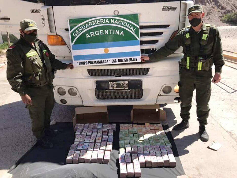 Purmamarca: Hallaron siete millones de pesos en un camión